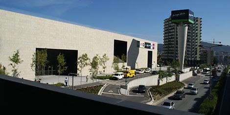 Centros Comerciais em Braga estão a recrutar Assistentes de Loja, Operadores de Caixa, entre outras oportunidades