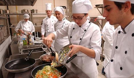 Emprego Madeira para Cozinheiro